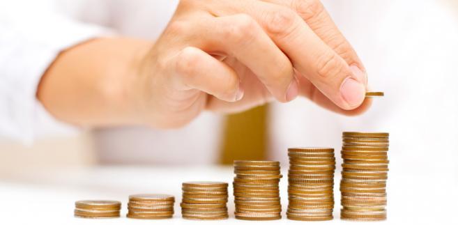 Według przedstawiciela NBP nie ma sprzeczności między wzrostem wartości gotówki w obiegu a dynamicznym rozwojem transakcji bezgotówkowych