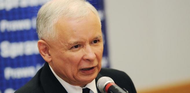 """Kaczyński, który we wtorek otworzył debatę PiS poświęconą rolnictwu zaznaczył, że PiS jest partią ogólnonarodową i zwraca się """"w wielkiej mierze ku polskiej wsi""""."""