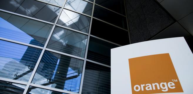 Nadal spadają przychody Orange, ale dzieje się to wolniej niż do tej pory. W III kw. 2013 r. wyniosły one 3,2 mld zł, w porównaniu do 3,47 mld zł w analogicznym okresie ubiegłego roku.