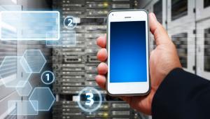 Wysokiej sprzedaży smartfonów nie uda się jednak w Polsce uzyskać bez współpracy z operatorami komórkowymi.