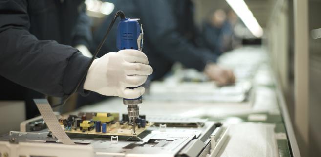 monter, fabryka, elektronika