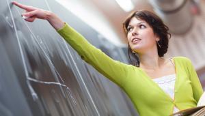 Jako pierwsi silniejszy wiatr we włosach poczuli nauczyciele zatrudnieni w szkole podstawowej.
