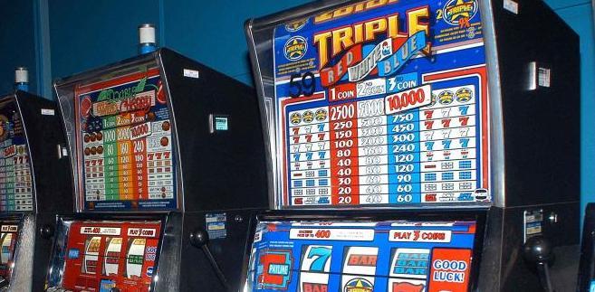 Wzburzenie przedsiębiorców wzbudziła propozycja Ministerstwa Finansów by organizowanie gier na automatach poza kasynami zostało objęte monopolem państwowym