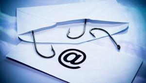 Ransomware może być przemycany na wiele różnych sposobów, ale najczęstszym wektorem ataku są pliki dołączone do poczty elektronicznej.