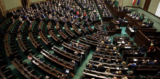 Debata nad uchwałą PiS o unieważnieniu wyboru sędziów Trybunału Konstytucyjnego