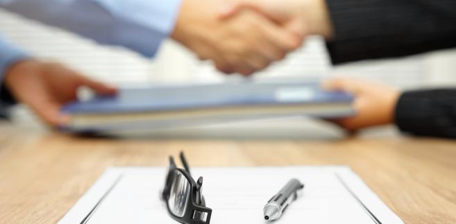 Przepisy dotyczące minimalnego wynagradzania zleceniobiorców i osób świadczących usługi w ramach prowadzonej działalności gospodarczej zaczną obowiązywać 1 stycznia 2017 r.