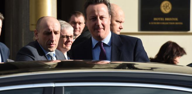 Tymczasem David Cameron odwiedził w piątek Warszawę.