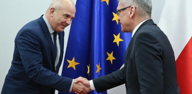 Marszałek Senatu Stanisław Karczewski i komisarz Praw Człowieka Rady Europy Nils Muiznieks