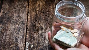 Zbyt niska dotacja powoduje, że samorządy szukają oszczędności w bieżącym funkcjonowaniu ośrodków