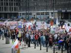 """Protest frankowiczów w Warszawie: """"Prezydencie czas spełnić obietnice"""", """"Stop bankowemu niewolnictwu"""""""