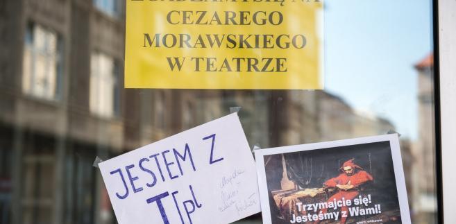 Protest w Teatrze Polskim: Bez przełomu po spotkaniu artystów z marszałkiem