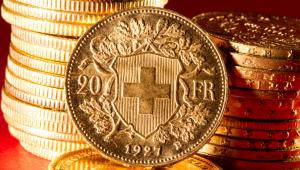 Trwa swoiste przeciąganie liny – tak to, co dzieje się wokół walutowych kredytów hipotecznych, określił wczoraj Jerzy Bańka, wiceprezes Związku Banków Polskich.