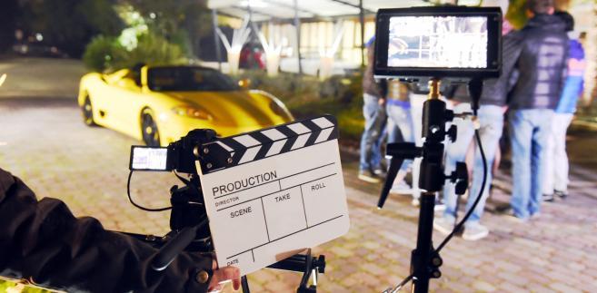 Wszystko, co robi profesjonalny aktora dla promocji serialu, w którym sam wystąpił, są nierozerwalnie związane z usługą kulturalną – stwierdził dyrektor Krajowej Informacji Skarbowej.