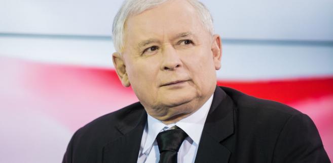 Jarosław Kaczyński ma dla wyborców jasny i prosty komunikat: poprawiliśmy gospodarkę, poprawiliśmy sądy, a teraz poprawimy samorządy. Zakład, że jesienią tego roku mu uwierzą?