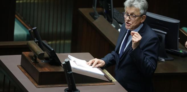 Nie podzielam zdania posłów Nowoczesnej, że pierwsze czytanie noweli ustawy o SN powinno się odbyć na sali plenarnej Sejmu; domaganie się tego, wpisuje się w działania o charakterze obstrukcyjnym zatrzymania reformy sprawiedliwości- twierdzi Piotrowicz
