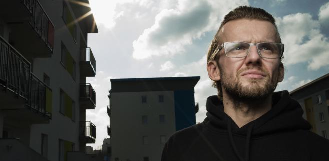 """Piotr """"KęKę"""" Siara jeden z najpopularniejszych polskich raperów. W marcu ukaże się jego czwarta płyta """"To tu"""" Fot. Darek Golik"""