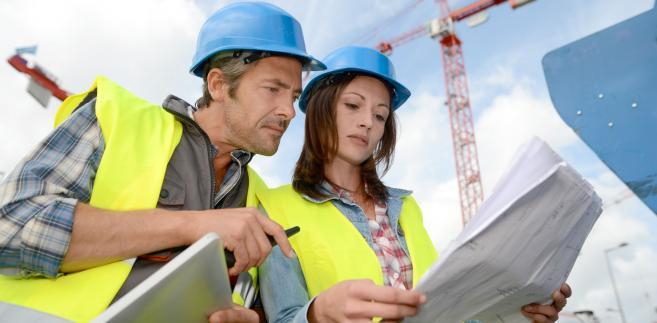 Ostatecznie porzucono zaś prace nad projektem o uproszczeniu procesu inwestycyjno-budowlanego, który zakładał spore zmiany w procedurach wydawania decyzji o warunkach zabudowy i zagospodarowania terenu.
