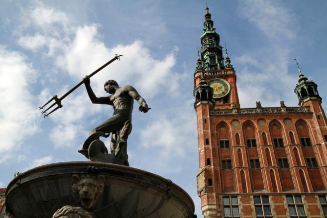 W Gdańsku, który do 15 czerwca odwiedziło w sumie 70 tys. zagranicznych kibiców, o półfinał rywalizować będą Niemcy i Grecy.