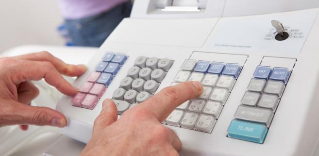 Przy określaniu nazwy towaru lub usługi można wykorzystywać nazewnictwo stosowane przy tworzeniu cennika.