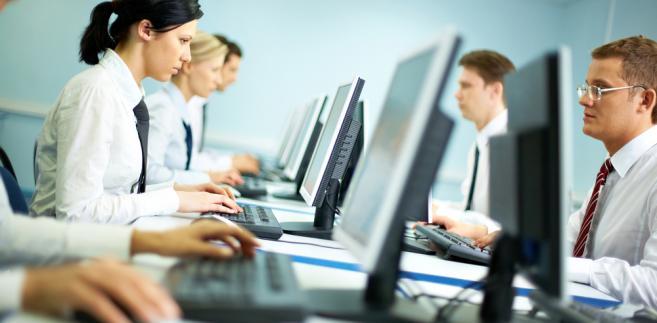Przedstawiciele biznesu oraz eksperci w wystąpieniach nawiązywali do ujawnianych w ostatnim czasie informacji, z których wynika, że urzędnicy otrzymują wytyczne od swoich przełożonych, ile osób i na jaką kwotę mają ukarać.