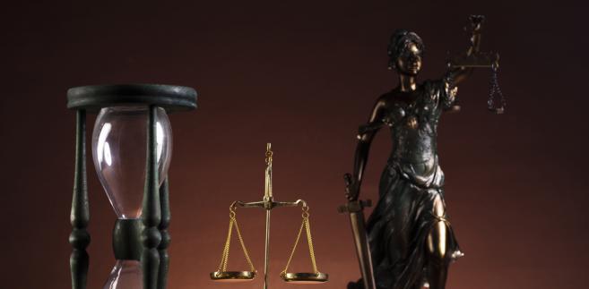 """Sąd uznał winę oskarżonych, ale przy okazji legalnie założonych podsłuchów """"wyłoniło się zagadnienie prawne"""""""