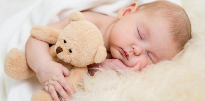 Samotnemu ojcu pięciorga dzieci i wdowcowi zgodnie z obowiązującymi przepisami odmówiono prawa do zasiłku macierzyńskiego i urlopu, które wedle aktualnych uregulowań przysługiwać mogą jedynie matce.