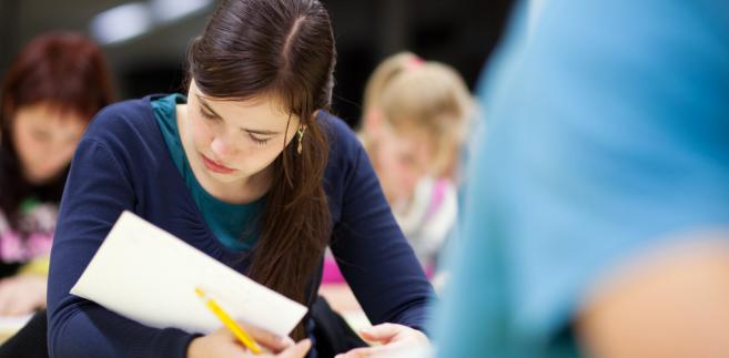 Kolegium Arbitrażu Egzaminacyjnego uznało zastrzeżenia maturzystów do 55 zadań, czyli do 2,8 proc. zgłoszonych