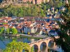 8. miejsce: Zamek w Heidelbergu – wybudowany w gotycko – renesansowym stylu zamek jest położony na górze Koenigstuhl w Hedeilbergu. Turyści zwiedzający zamek mają możliwość zobaczenia największej na świecie beczki do wina, oraz jedyne w swoim rodzaju Muzeum Aptekarstwa.