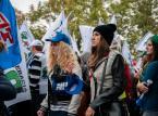 PiS próbuje wygaszać protesty związkowe w kolejnych spółkach i sektorach