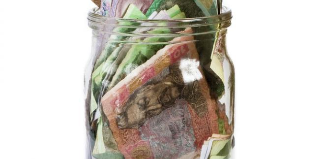 pieniądze-słoik-waluty
