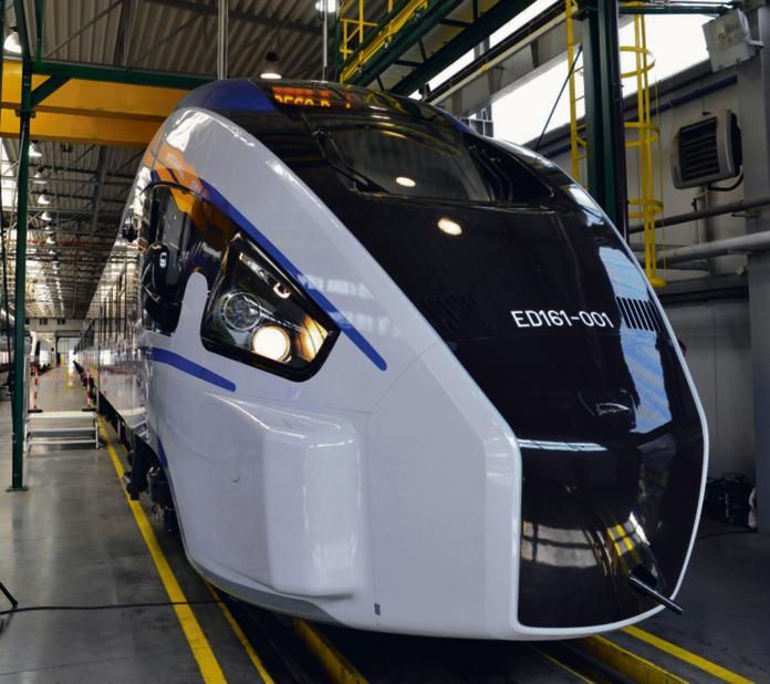 PKP Intercity zamówiło w Pesie 20 pociągów Dart. Zapłaci za nie ponad 1 mld zł