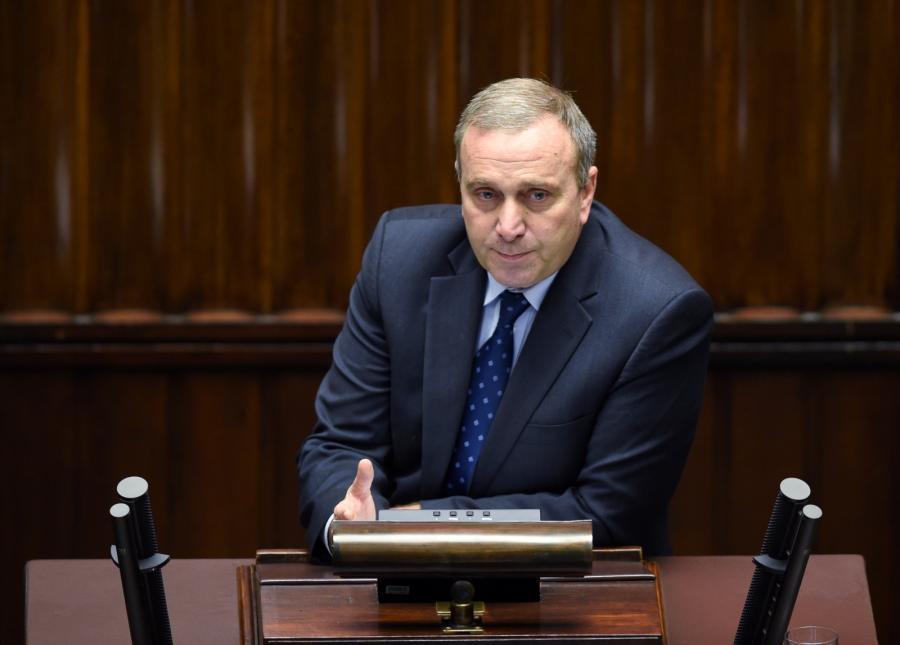 Poseł PO Grzegorz Schetyna przemawia podczas debaty nad expose.