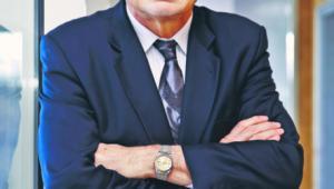 Prof. Marek Wierzbowski, radca prawny, specjalista od prawa administracyjnego i publicznego prawa gospodarczego, współautor ReNEUAL Modelu kodeksu postępowania administracyjnego Unii Europejskiej, kierownik Katedry Prawa i Postępowania Administracyjnego Uniwersytetu Warszawskiego, przewodniczący Komisji Kodyfikacyjnej Prawa Budowlanego