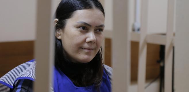 Gyulchehra Bobokulova podczas przesłuchania przed rosyjskim sądem.