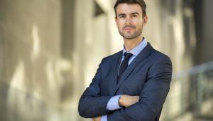 Kodeks etyki radców prawnych ma także zastosowanie do aplikantów. Oznacza to, iż nie wolno im podejmować działalności ani pracy, która przynosiłaby ujmę wykonywanemu zawodowi