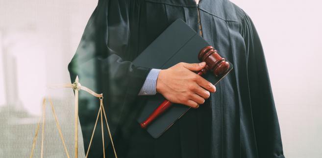Jak podkreślił RPO Adam Bodnar, lipcowe manifestacje przeciwko rządowym reformom wiązały się z udzieleniem sędziom społecznego kredytu zaufania, który muszą zacząć spłacać