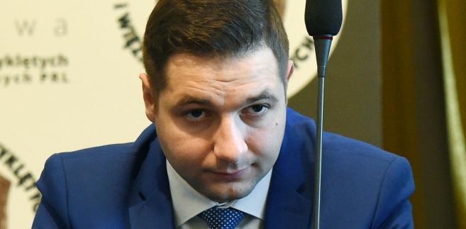 Minister Patryk Jaki wierzy, że zwiększenie kar wpłynie mobilizująco na prezydent stolicy.