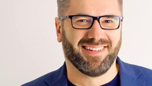 """Paweł Tkaczyk mówca publiczny i doradca ds. marketingu, brandingu i social media. Autor książek """"Zakamarki marki"""", """"Grywalizacja"""" i """"Narratologia"""""""