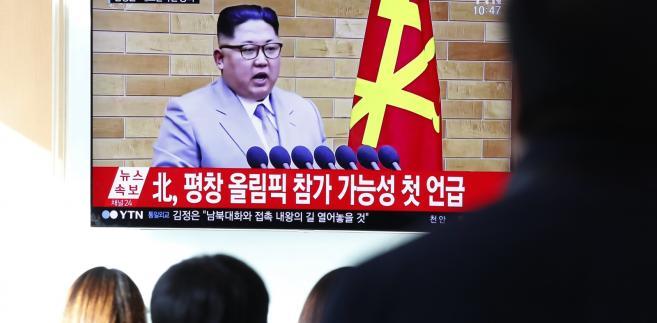 Na ekranie telewizora noworoczne przemówienie lidera Korei Północnej Kim Dzong Una
