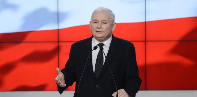 Prezes PiS Jarosław Kaczyński podczas konferencji prasowej, po spotkaniu z sekretarzem stanu Stanów Zjednoczonych Rexen Tillersonem.