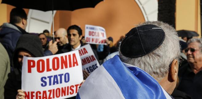 Protest przed polską ambasadą w Tel Awiwie