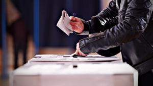 Wśród kandydatów na radnych jest 41 proc. kobiet i 59 proc. mężczyzn, a wśród kandydatów na wójtów, burmistrzów i prezydentów - 18 proc. kobiet i 82 proc. mężczyzn.
