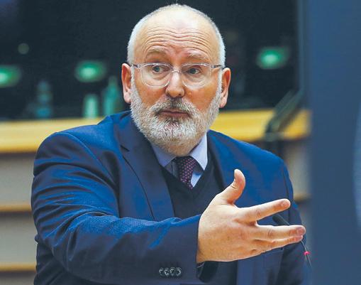 W rozmowach z przedstawicielami KE (na zdjęciu Frans Timmermans) chodzi o to, aby ochronić kształt polskich reform sądownictwa przy jednoczesnym zażegnaniu konfliktu