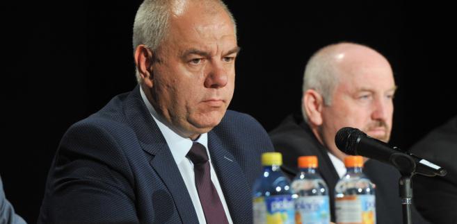 Szef komitetu stałego Rady Ministrów Jacek Sasin i poseł Marek Polak podczas spotkania z mieszkańcami w Libiąskim Centrum Kultury.