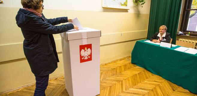 Ok. 2,5 tys. urzędników wyborczych trzeba zrekrutować na najbliższe wybory samorządowe