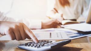 Słowem, podatnik, który uzyskuje przychody z zysków kapitałowych, też może mieć prawo do 9-proc. stawki CIT, ale nie w odniesieniu do tych dochodów.