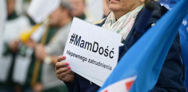 """Mamy dość pracy do śmierci. Tak wyglądała manifestacja OPZZ pod hasłem """"Polska potrzebuje..."""