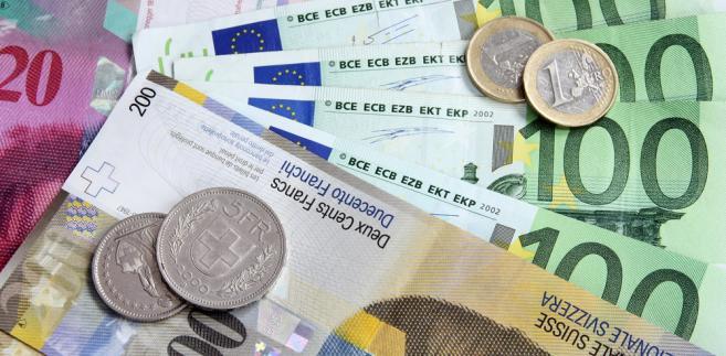 We wtorek przedstawiciele kancelarii prezydenta przedstawili założenia projektu ustawy, przewidującego zwrot posiadaczom walutowych kredytów mieszkaniowych nadmiernie naliczonych przez banki spreadów (w latach 2000-2011).
