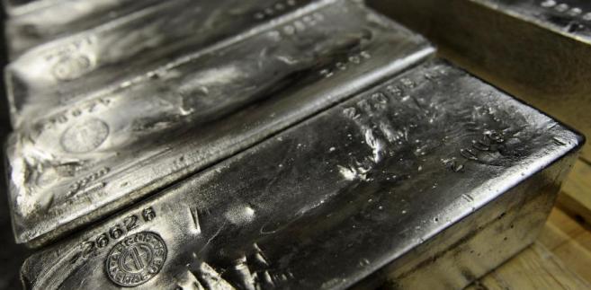Głównymi odbiorcami srebra produkowanego przez KGHM są: Wielka Brytania, USA i Belgia.