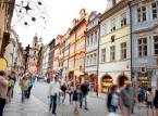 9. Praga. Stolica Czech kusi turystów swoim niepowtarzalnym urokiem, kulturą oraz przystępnymi cenami.